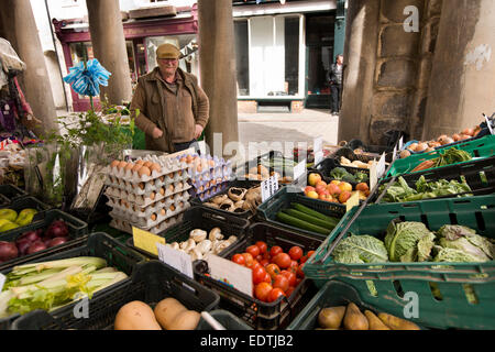 UK, England, Yorkshire, Whitby, New Market Place vegetable stall beneath Town Hall - Stock Photo