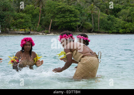 Republic of Vanuatu, Torres Islands, Loh Island. Special performance by the Unique Water Music Women from Gaua. - Stock Photo