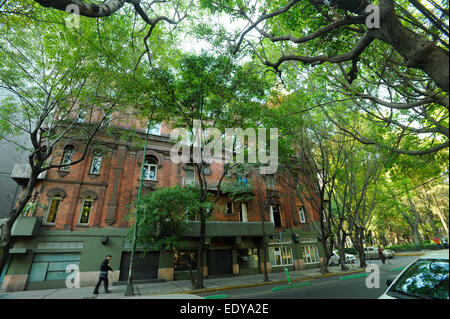 Old building in the Zona Rosa neighborhood of Mexico City, Mexico - Stock Photo