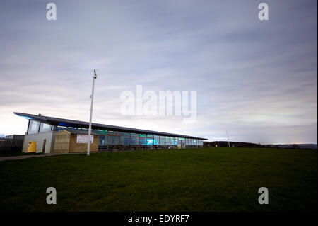 dunstable downs visitors center. credit: LEE RAMSDEN / ALAMY - Stock Photo