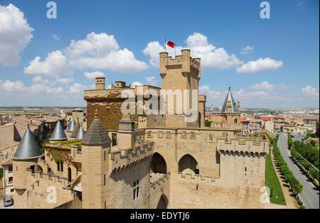 Palacio de los Reyes de Navarra de Olite ('Palace of the Kings of Navarre of Olite') or Castillo de Olite ('Castle - Stock Photo