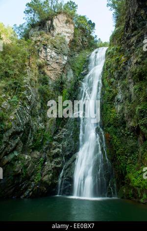 Dominikanische Republik, Cordillera Central, Constanza, Wasserfall Salto de Aguas Blancas beim Dorf El Convento - Stock Photo