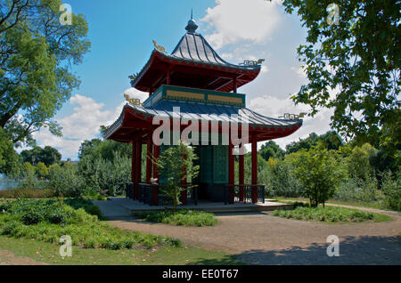Chinese pagoda in Victoria Park, Mile End, London - Stock Photo