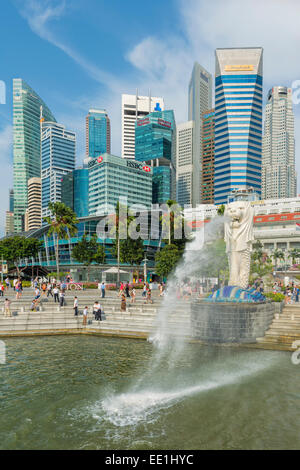 The Merlion, the city's symbol, and city skyline, Singapore, Southeast Asia, Asia - Stock Photo