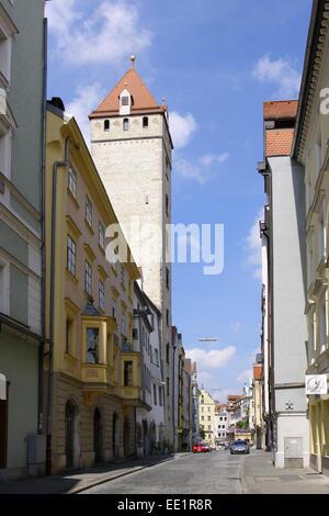 Regensburg, Unesco Welterbe, Altstadt, Wahlenstrasse, Goldener Turm, Golden Tower, Bayerische Eisenstrasse, Strasse - Stock Photo