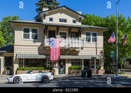 The Calistoga Inn on Main Street (Lincoln Avenue) in Calistoga, Napa Valley, Wine Country, California, USA