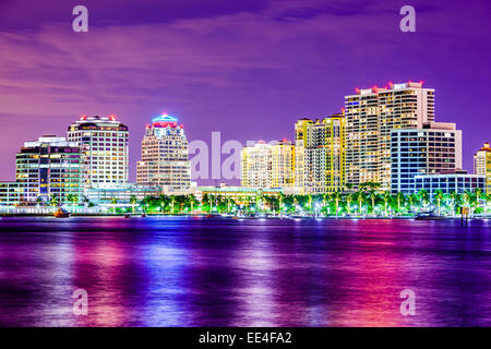 West Palm Beach, Florida, USA city skyline on the Atlantid Intracoastal Waterway. - Stock Photo
