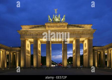 Deutschland berlin brandenburger tor beleuchtung abend for Beleuchtung berlin