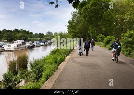 UK, London, Twickenham, River Thames path at Marble Hill House - Stock Photo