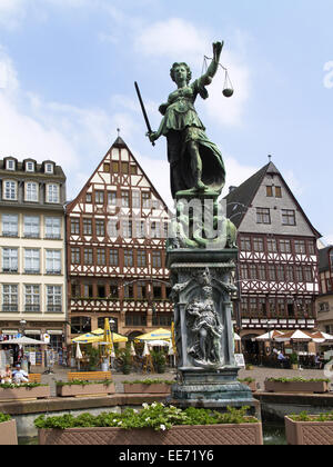 Deutschland, Hessen, Frankfurt am Main, Roemerberg, Fachwerkhaeuser, Strassencafes, Europa, Stadt, Ostzeile, Haeuser, - Stock Photo