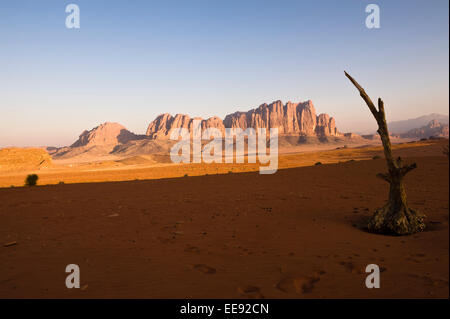 A view of Jebel Qattar, which is home to the most diversified wildlife in Wadi Rum National Park. - Stock Photo