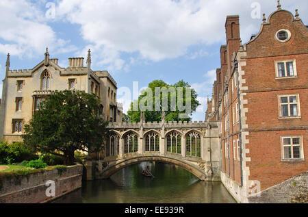 Bridge of Sighs, St John's College, Cambridge, England, UK