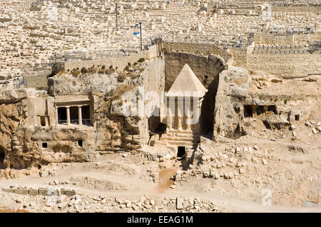 According to the bible this is the tomb of Zechariah the son of Jehoiada the priest, on the foot of the mount of - Stock Photo