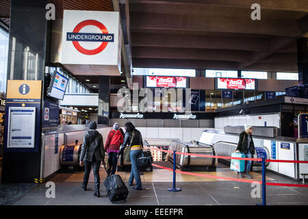 The main entrance to Euston Underground Station from the Main concourse of Euston Railway Station. - Stock Photo