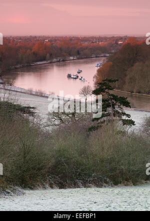 View over the River Thames, from Richmond Hill, Surrey, UK. on a frosty winters morning. Red sky in morning Shepard's - Stock Photo