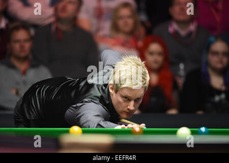 London, UK. 17th Jan, 2015. Masters Snooker Semi Final. Neil Robertson pots his way to final. World number one Robertson - Stock Photo