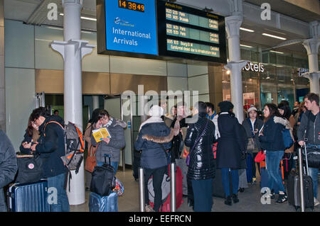 London, UK. 17th Jan, 2015. Passengers queue in St. Pancras Station, London, England UK as it is announced that - Stock Photo