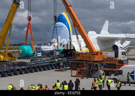Schkeuditz, Germany, loading a Spezialwaermetauschers - Stock Photo