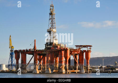 Belfast, Northern Ireland. 18th Jan 2015. Two oil rigs, the Borgny Dolphin and the Byford Dolphin, owned by Aberdeen - Stock Photo