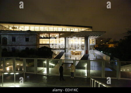 Athens, Greece. 18th January 2015. Picture of the new Acropolis Museum in Athens at night. The Central Union of - Stock Photo