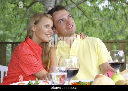 Glueckliches Paar im Sommerurlaub, Restaurant Italien, Erholung, Freizeit, Harmonie, Liebe, Menschen, Serie, Sommer, - Stock Photo