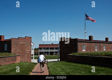 Fort McHenry National Monument and Shrine, Baltimore, Maryland. Visitor entering main gate, garrison housing - Stock Photo