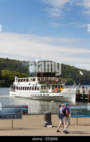 Lake Windermere steamer 'MV Teal' arriving at the pier at Bowness-on-Windermere. - Stock Photo