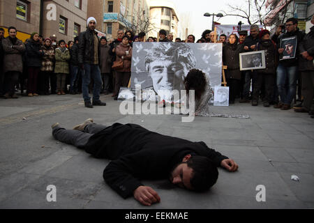 Ankara, Turkey. 19th Jan, 2015. Dramatization for the murder of Hrant Dink, Several thousand protesters in Ankara's - Stock Photo