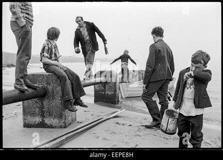 Fishing party returns to Sandwick. - Stock Photo