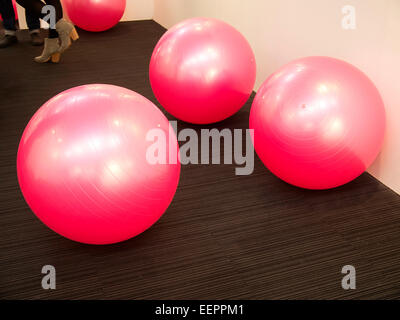 London, UK. 20th Jan, 2015. London Art Fair opened today, at the Islington Business Design Centre. Ball art at the - Stock Photo