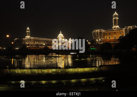 (150121) -- NEW DELHI, Jan. 21, 2015 (Xinhua) -- Photo taken on Jan. 21, 2015 shows the illuminated North and South - Stock Photo