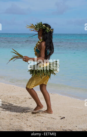 French Polynesia, Austral Islands, Raivavae. Polynesian welcome ceremony and folkloric show. Attractive Polynesian - Stock Photo