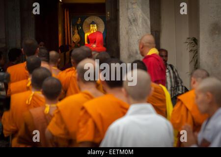International Buddhist monks enter Mahabodhi temple, Bodh Gaya, India, a day after terrorism bomb blast on 7 July - Stock Photo