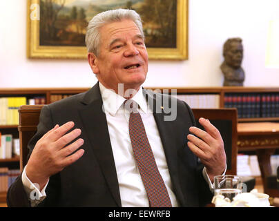 Berlin, Germany. 15th Jan, 2015. German Federal President Joachim Gauck speaks during an dpa interview at Bellevue - Stock Photo