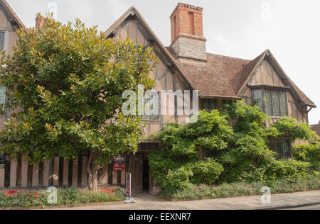 Halls Croft, the House of Willam Shakespeare's Daughter ...