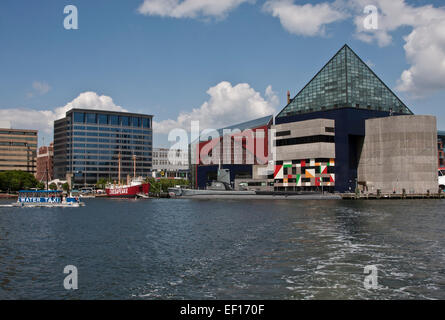 Baltimore, Maryland, The National Aquarium at Baltimore and the museum ships USS Torsk and lightship Chesapeake. - Stock Photo