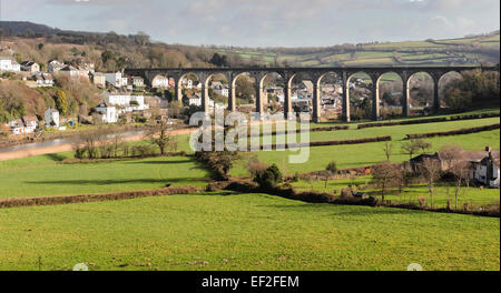 The railway viaduct at Calstock, Cornwall, that carries the Tamar Valley Line across the river Tamar - Stock Photo