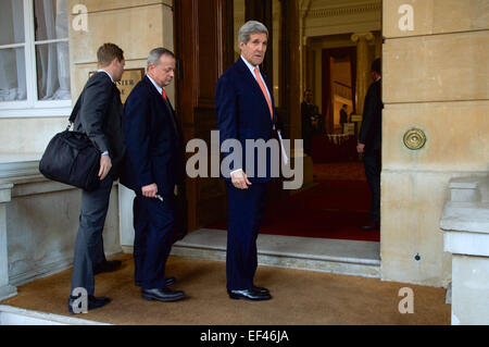 U.S. Secretary of State John Kerry, accompanied by retired Marine Corps General John Allen, now Special Presidential - Stock Photo