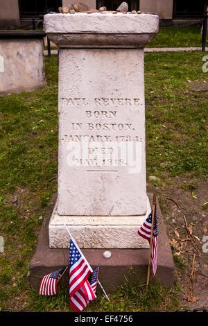 Headstone on grave of Paul Revere, Old Granary Burying Ground, Tremont Street, Boston, Massachusetts, USA - Stock Photo