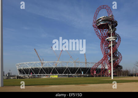 Reconstruction work to the London Olympic stadium. Also shows the ArcelorMittal Orbit observation tower. January 2015