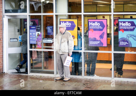 Keyworth, Nottinghamshire, UK. 28th January, 2015. Local Councillor Sam Boote and residents stage a 2 hour protest - Stock Photo