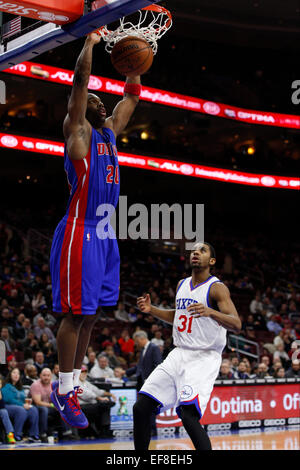 Philadelphia, Pennsylvania, USA. 28th January, 2015. January 28, 2015: Detroit Pistons guard Jodie Meeks (20) dunks - Stock Photo