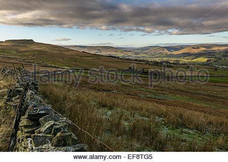 On Cam High Road (Roman Road) near Bainbridge looking across Swaledale in the Yorkshire Dales, North Yorkshire, - Stock Photo
