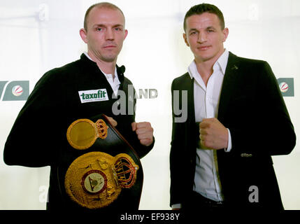 Current WBA middleweight boxing champion Juergen Braehmer (L)of the Sauerland boxing team and his challenger Robin - Stock Photo