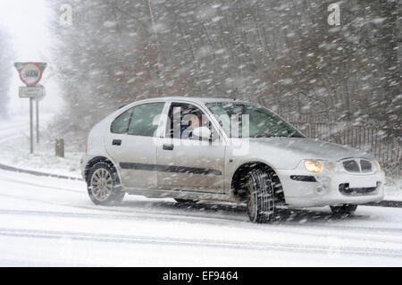 North East Derbyshire, UK. 29th January, 2015. UK Weather: Heavy snow and blizzard conditions swept across Derbyshire - Stock Photo