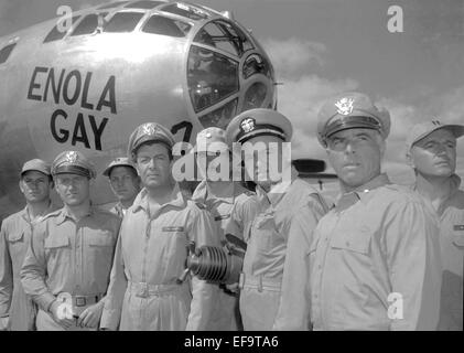 JAMES WHITMORE, ROBERT TAYLOR, LARRY GATES, LARRY KEATING, STEPHEN DUNNE, ABOVE AND BEYOND, 1952 - Stock Photo