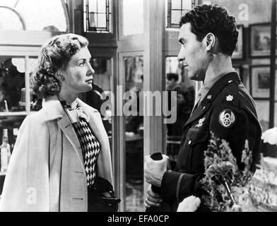 DINAH SHERIDAN, WILLIAM SYLVESTER, APPOINTMENT IN LONDON, 1953 - Stock Photo