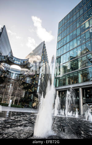Contemporary glass offices near City Hall London - Stock Photo