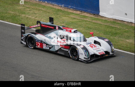 audi r18 e tron quatro at the 24 heures du mans test day 2014 at le stock photo royalty free. Black Bedroom Furniture Sets. Home Design Ideas