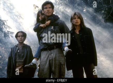 JEREMY FOLEY, JAMIE RENEE SMITH, PIERCE BROSNAN, LINDA HAMILTON, DANTE'S PEAK, 1997 - Stock Photo